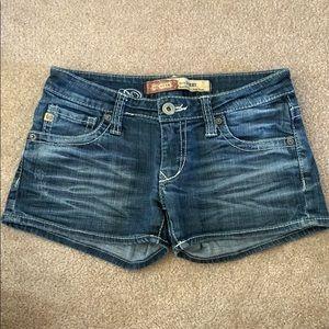 Big Star Shorts Size 27